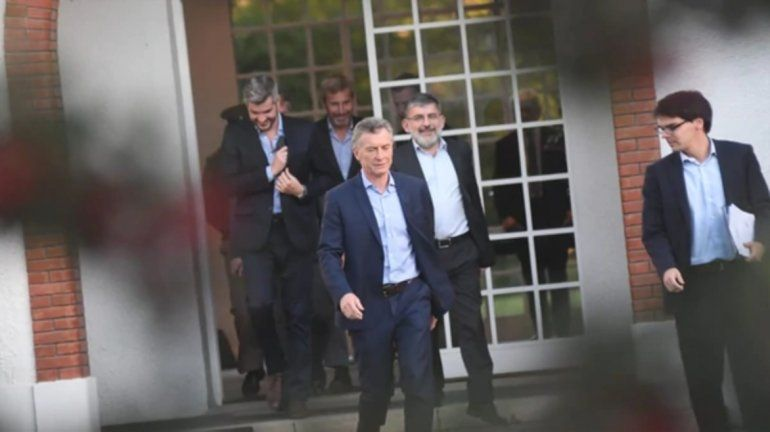 Luego de la tensión de ayer Macri recibió a los ministros en Olivos para afinar estrategias
