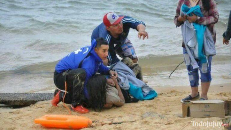 Corrientes: cuatro jujeños fueron rescatados milagrosamente de las aguas del Paraná