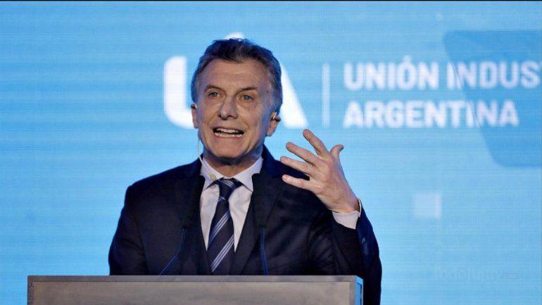 Macri viaja a Nueva York para reunirse con Trump, convencer a inversores y recibir un premio