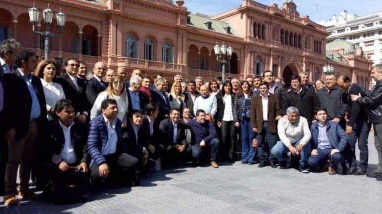 El intendente de El Carmen junto a otros jefes comunales pidieron reunión con Macri