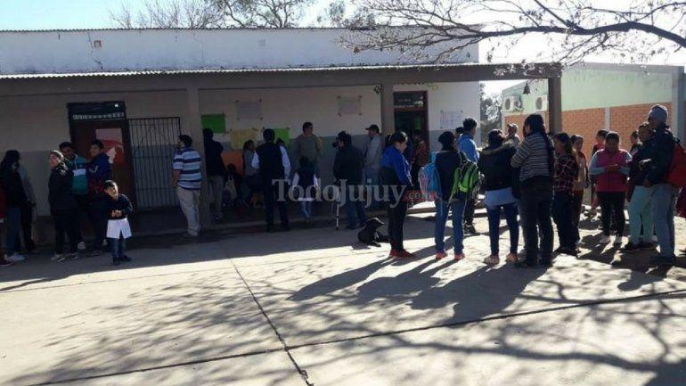 Cierre de la escuela de Lobatón: la Ministra Calsina habló con los padres