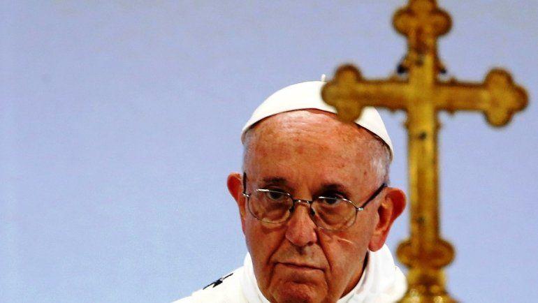 El Papa Francisco llamó a una cumbre mundial para prevenir abusos a menores