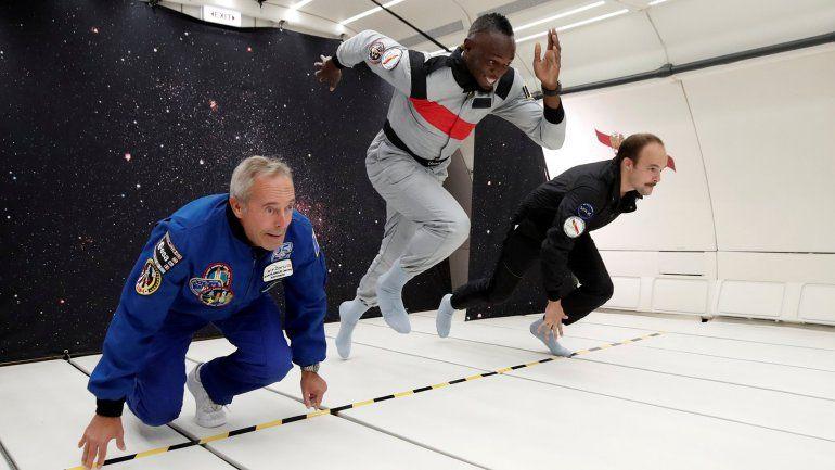Usain Bolt corrió y tomó champagne en un avión sin gravedad