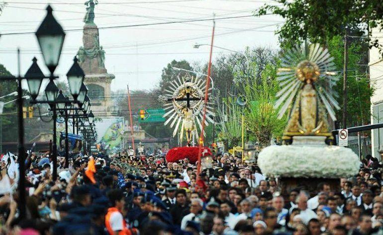 Una multitud en la fiesta del Milago en Salta