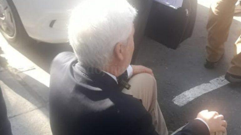 Apuñalaron con un destornillador al ex presidente del Colegio de Abogados afuera de Tribunales