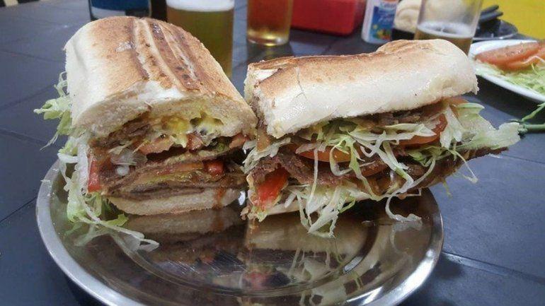 El sándwich de milanesa, el gran placer argentino
