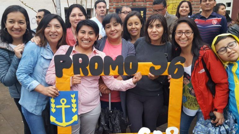 Con miles de recuerdos ex alumnos se despidieron del Nacional 2