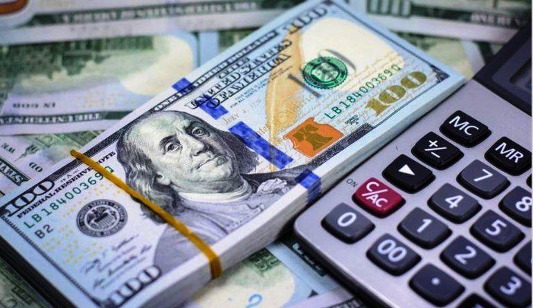 A más de la mitad de semana, el dólar sigue avanzando