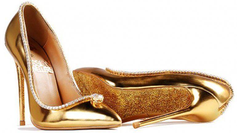 Cuero, seda, oro y diamantes para los zapatos más caros del mundo