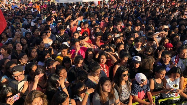 Con Coroico, Chijra y la fiesta de colores, hoy arranca el Primavera Fan Fest