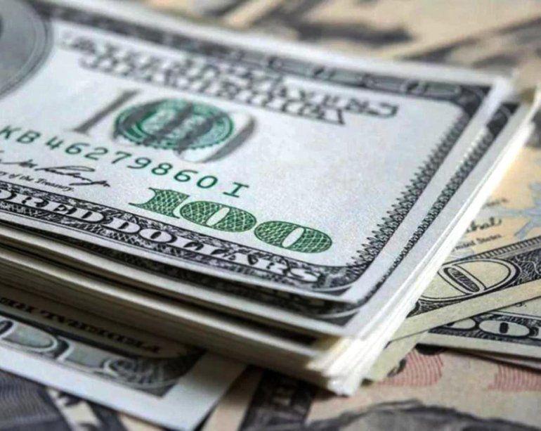 El dolar volvió a subir y rozó los 40 pesos