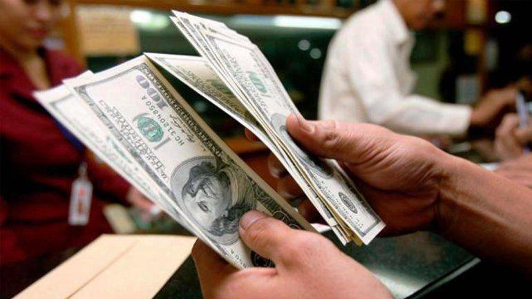 Sigue la baja: el dólar perdió casi 40 centavos y quedó cerca de los $ 38