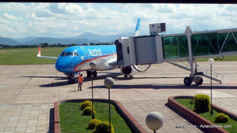Mientras los gremios aeronáuticos anunciaron un paro para el lunes, los vuelos de Jujuy salieron normalmente