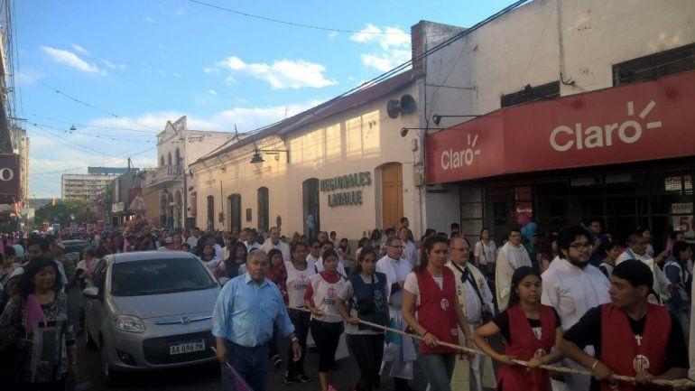 Cientos de feligreses acudieron a la procesión por la Virgen de Río Blanco