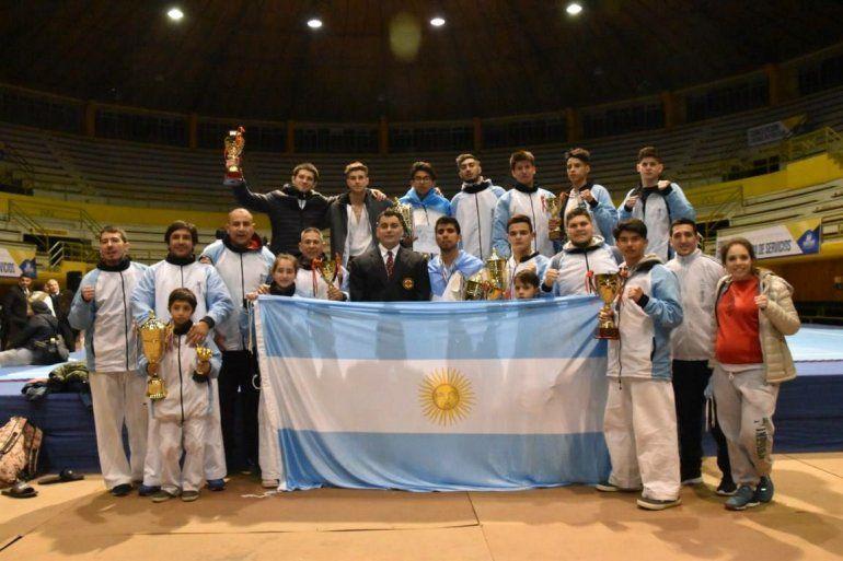 Dos jujeños brillaron en el sudamericano de Karate Kyokushin