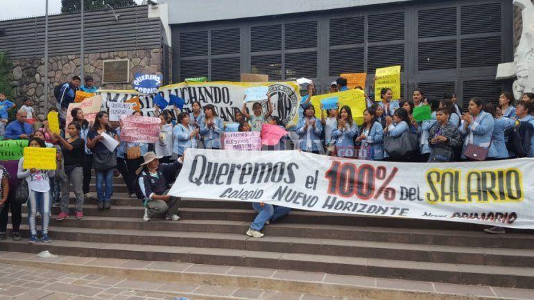Diputados se reunirán con los docentes del Nuevo Horizonte que no cobran desde marzo