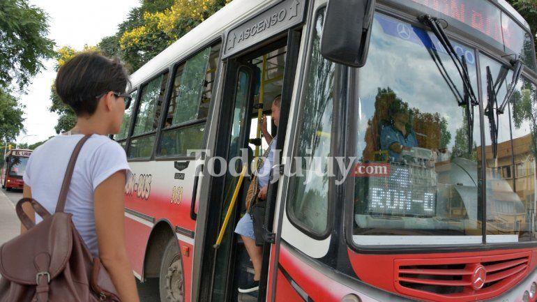 Alivio pasajeros: se levantó el paro del transporte