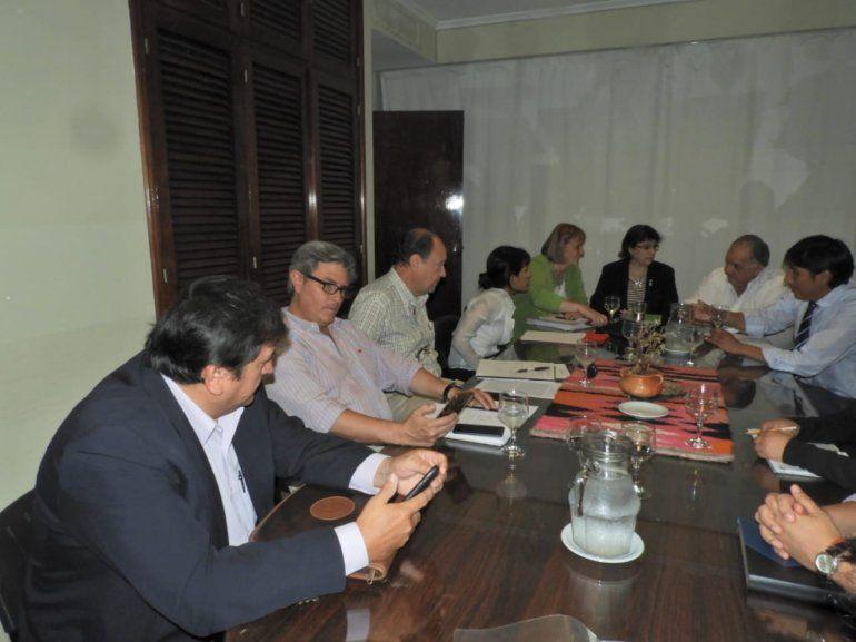 La mayoría de los gremios docentes aceptaron la propuesta del Gobierno y llegaron a un acuerdo