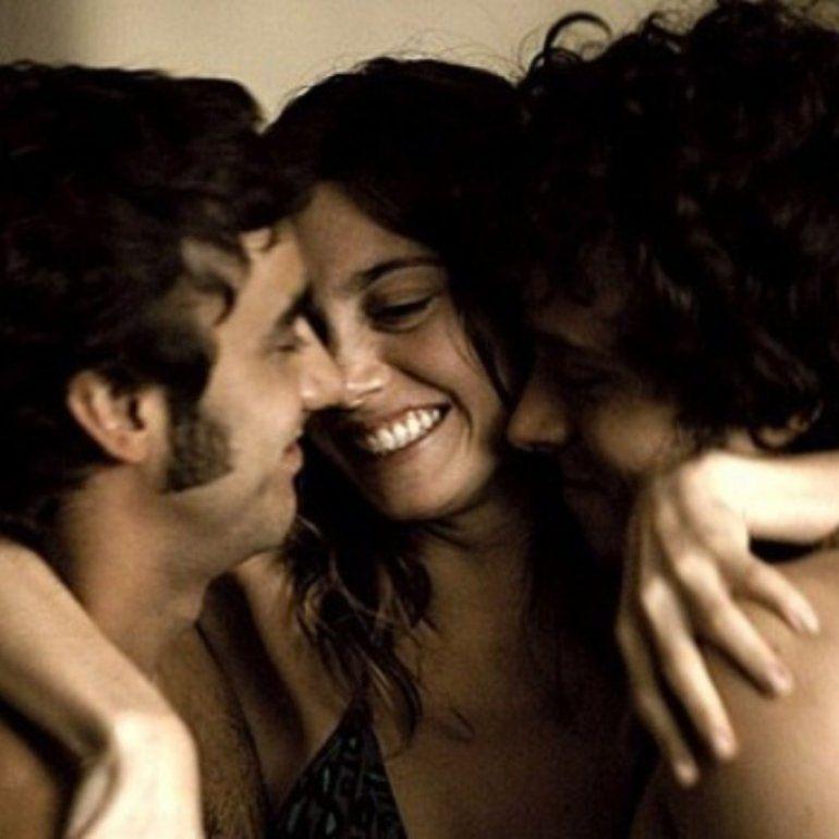 ¿Poliamor? Según un sexólogo, los seres humanos no pueden ser monógamos