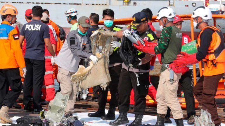 Un avión se estrelló en el mar de Indonesia y dejó como saldo 188 muertos