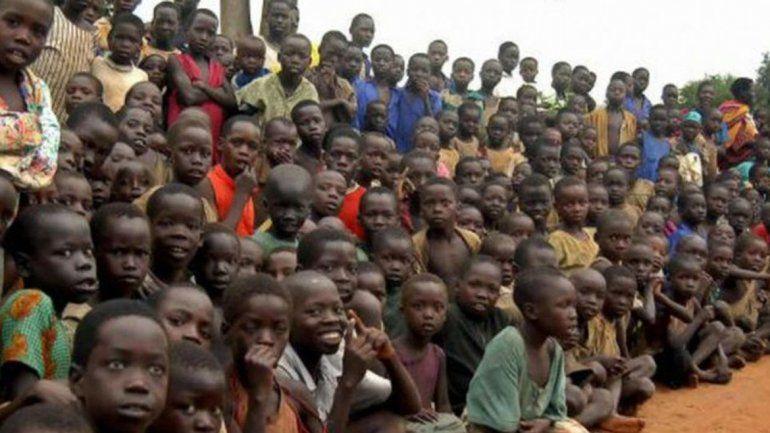 Increíble: un hombre ugandés tiene 65 años, 174 hijos, 90 nietos y 13 esposas