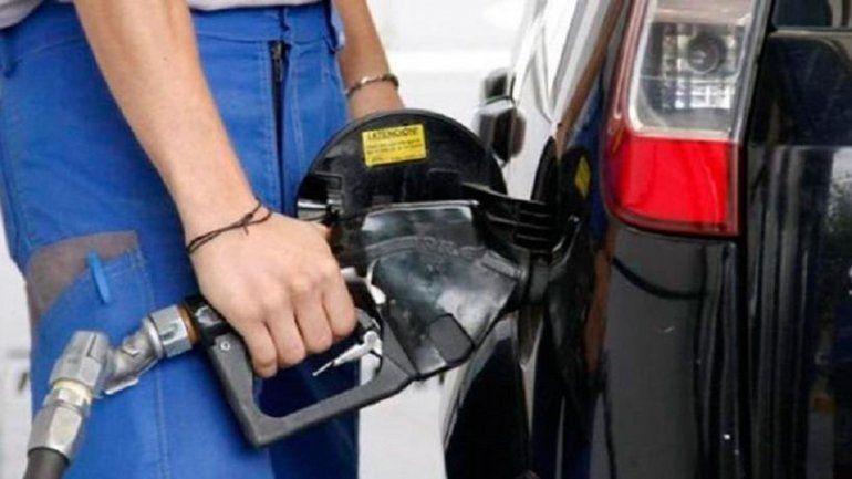 Este sábado podría aumentar otra vez el combustible