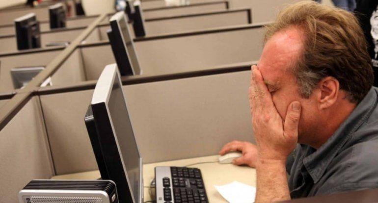 Funcionario miró pornografía en el trabajo e infectó la red del gobierno con un virus