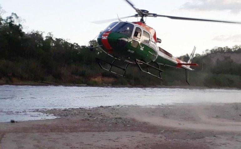 Salta: el Bermejo creció de golpe y 7 personas tuvieron que ser rescatadas en helicóptero
