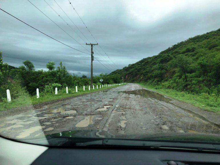 Vecinos y conductores preocupados por el mal estado de la ruta 2