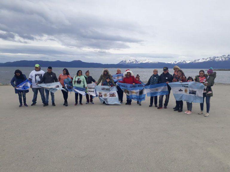 Homenajearon a familiares de tripulantes a 1 año de la partida del ARA San Juan desde Ushuaia