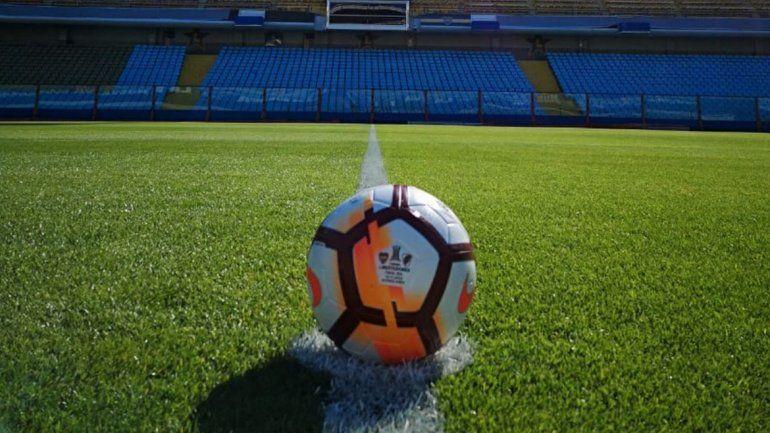 Ya está en La Bombonera: conocé la pelota de la Superfinal