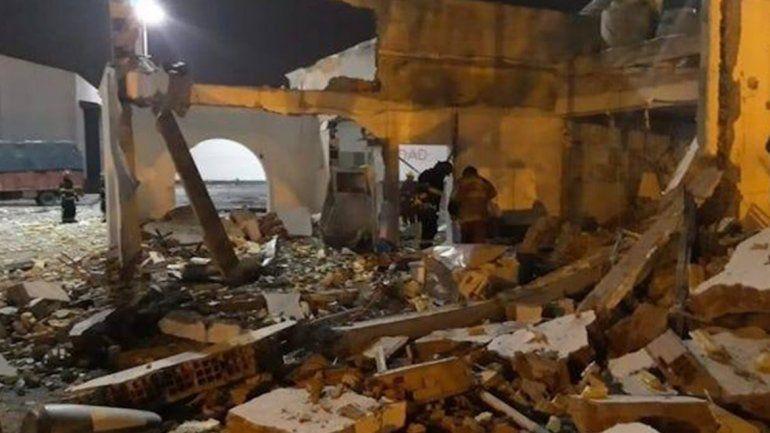 Fuerte explosión en el edificio municipal dejó dos heridos e importantes daños