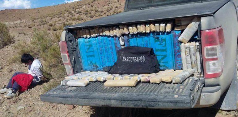 Cochinoca: secuestran más de 750 kilos de hojas de coca en una camioneta