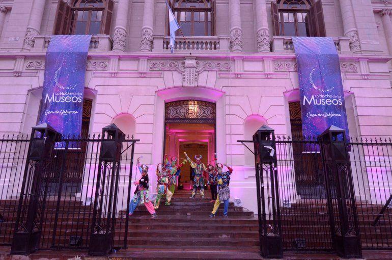 Pintores en vivo, música y teatro para la Noche de los Museos