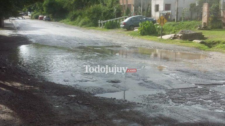 Vecinos de Los Huaicos denuncian que Avenida Bolivia está en mal estado y se inunda con las lluvias