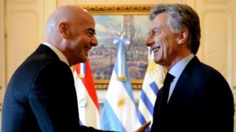 Mauricio Macri se reunirá con Infantino y le pedirá que la final se juegue en la cancha de River