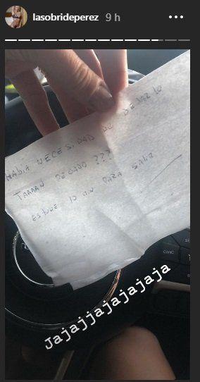Sol Pérez salió a bailar y al regresar se dió con una curiosa nota en su auto