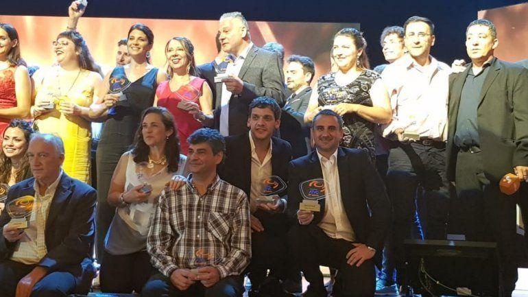 Canal 4 dijo presente en los Premios ATVC y trajo el galardón por mejor programa Educativo
