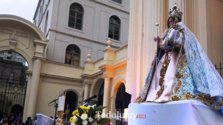Cientos de fieles dijeron presente en la celebración central.