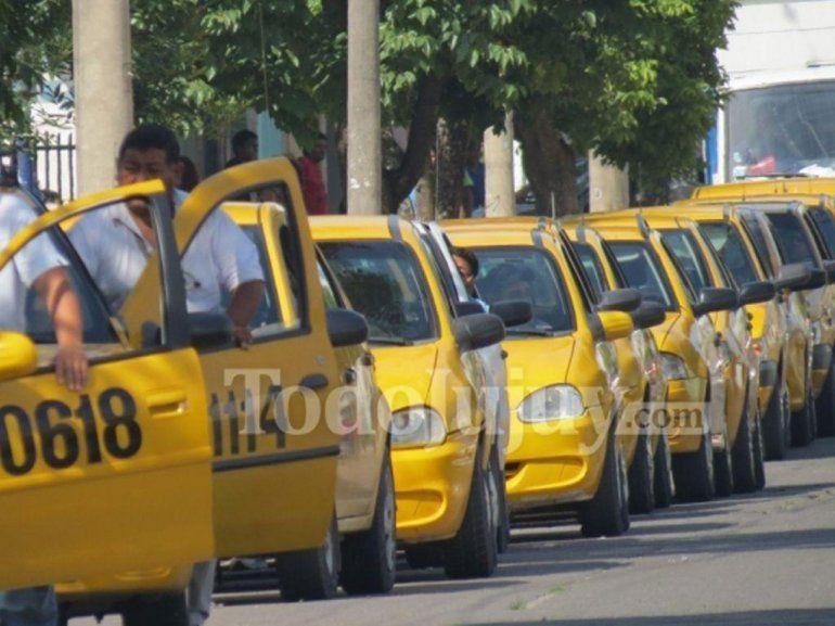 Sin colectivos, te contamos como trabajarán los taxis en Navidad