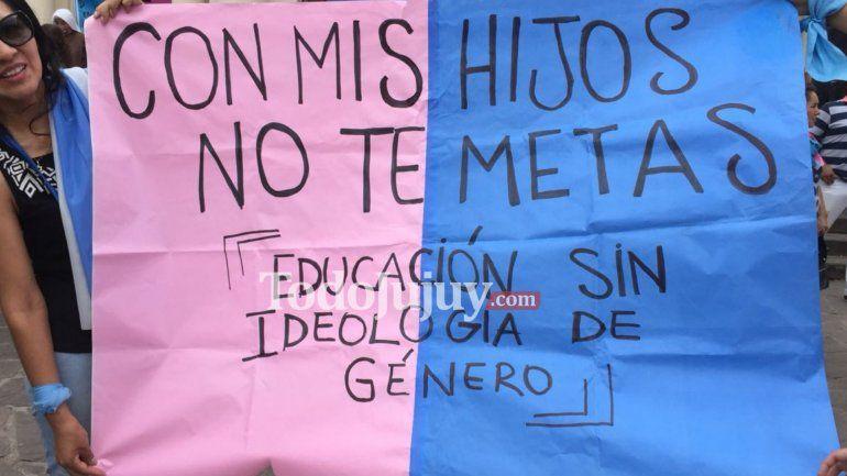 En Jujuy marcharon contra la Ideología de Género en Plaza Belgrano