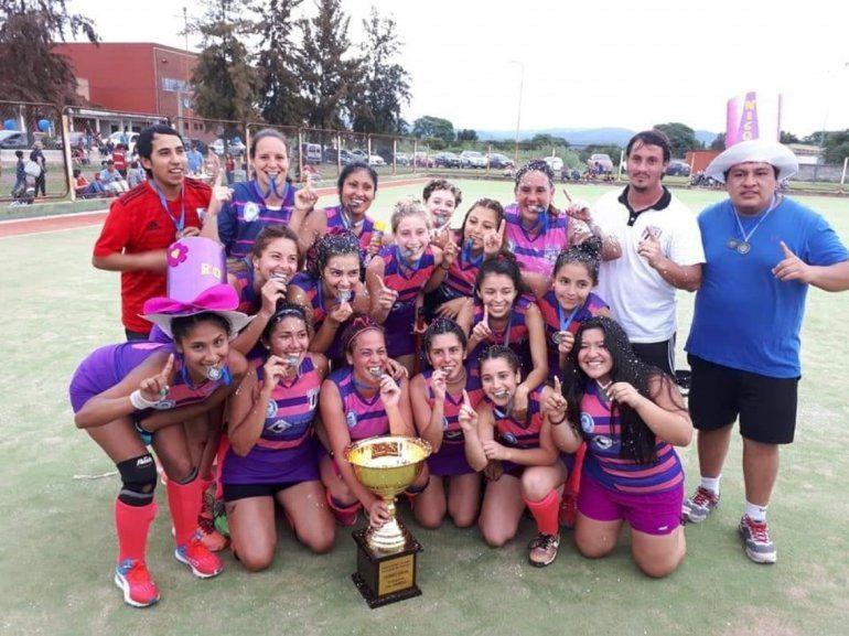 Hockey: Universitario se consagró campeón anual en damas y caballeros