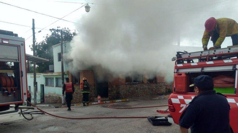 Se incendió un local de venta de pirotecnia en Perico