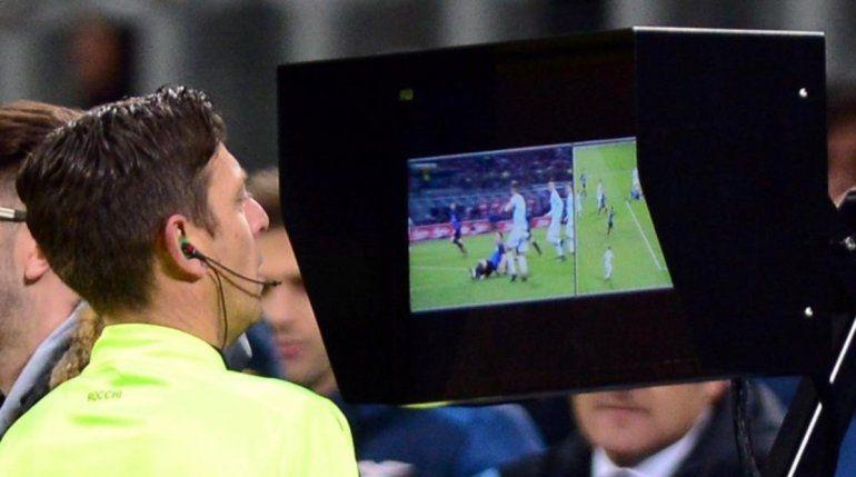 El VAR, cada día más cerca de la Superliga