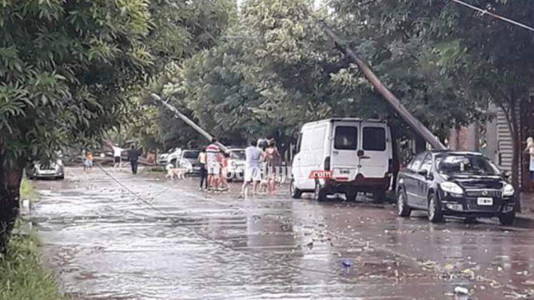Un fortísimo temporal azotó a San Pedro provocando destrozos, caída de árboles y postes de electricidad