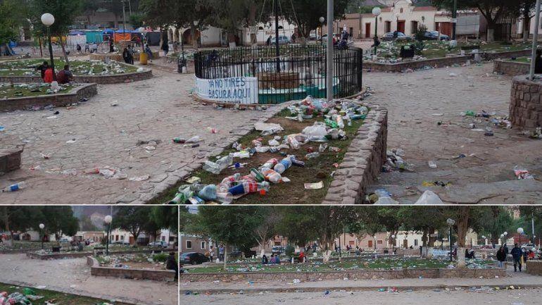 ¡Vergonzoso! Después de los festejos en Maimará, la plaza quedó llena de basura