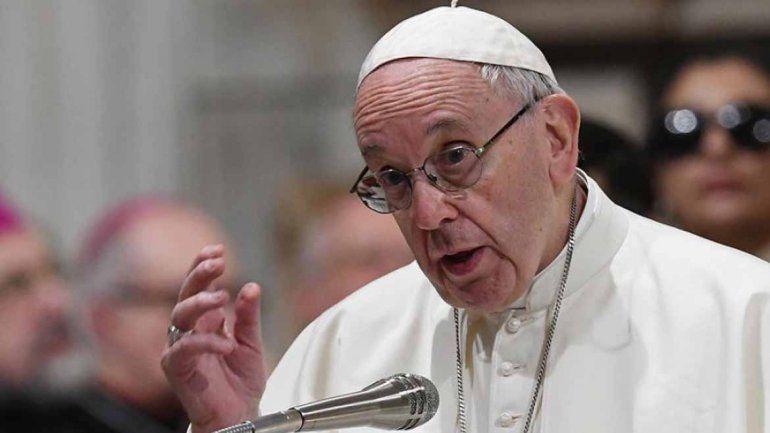 El Papa llamó a imitar la generosidad y humildad de los Reyes Magos