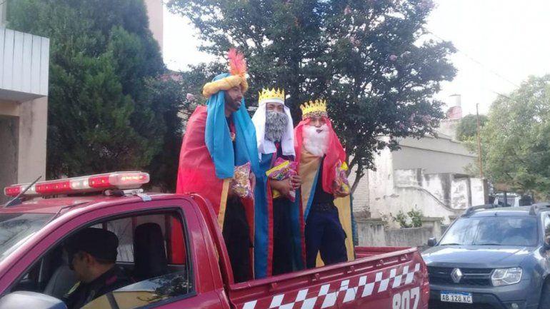 Los reyes magos recorrieron las calles de nuestra ciudad