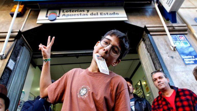 Un chico de 15 años ganó la Lotería de Reyes con los 20 euros que le habían devuelto del billete de Navidad