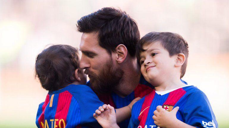 Mientras Messi marcaba su primer gol del año, su hijo se volvía viral